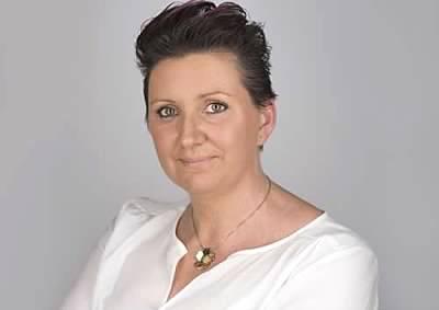 Lindsay Professional Headshot